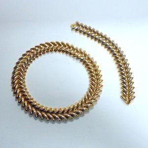Heavy Goldtone Necklace and Bracelet Set